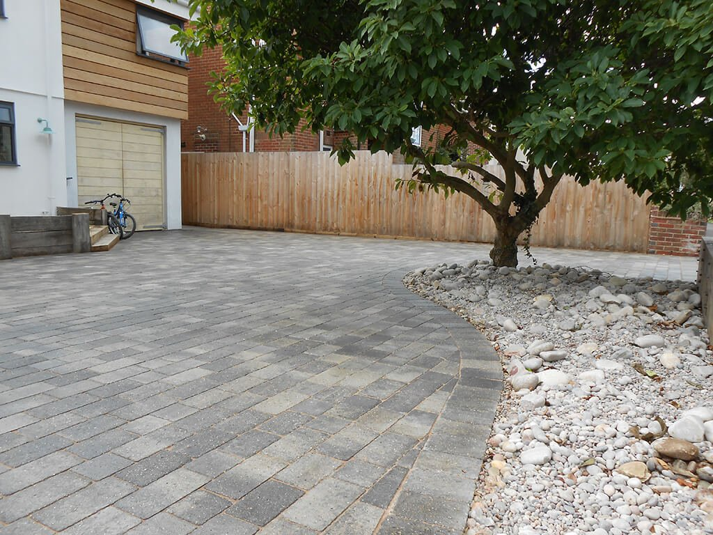 Driveways in Dorset - 4 Cleaning Tips for a Spotless driveway