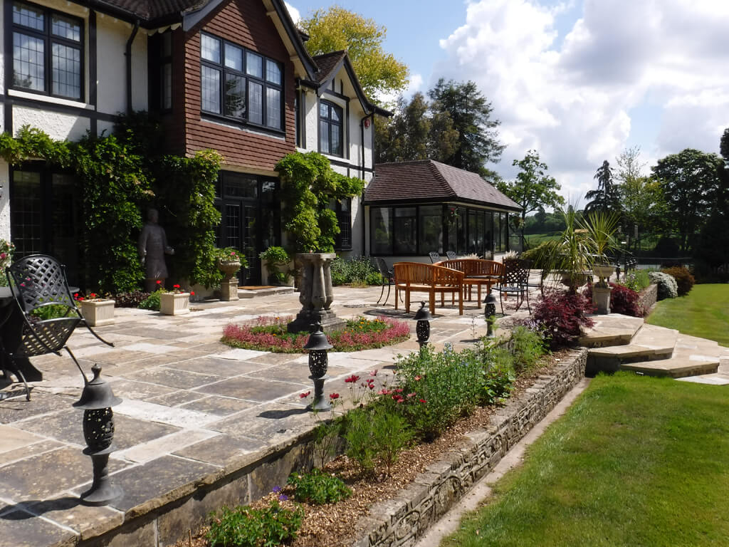 Our Guide to Choosing the Ideal Paving Company